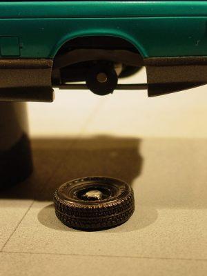 Easy wheel attatchment. Photo credit: Michael Newport.